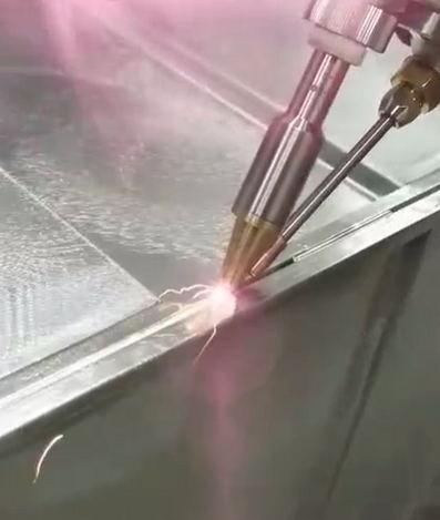 手持式光纤激光焊接机厂家.jpg